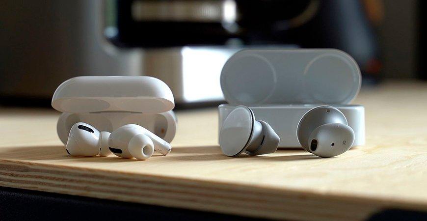 Microsoft Surface Earbuds против AirPods