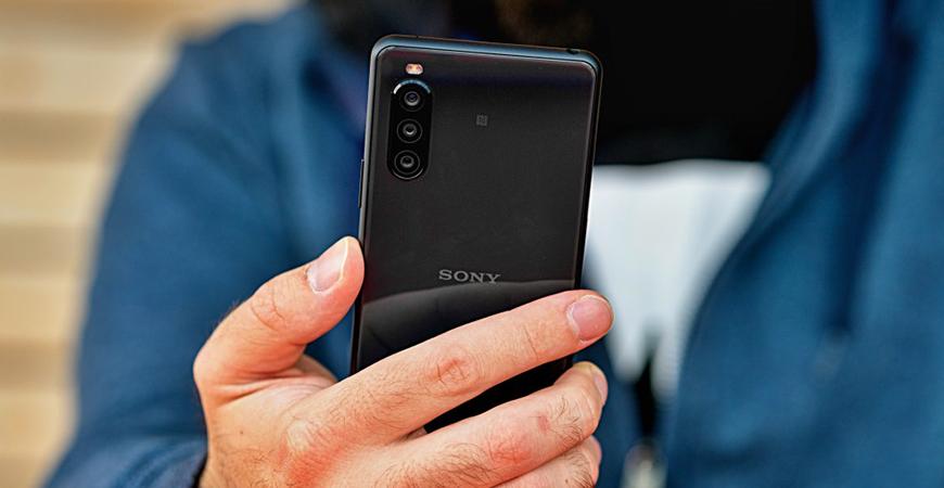 Sony готовит к выходу компактного конкурента iPhone 12 Mini