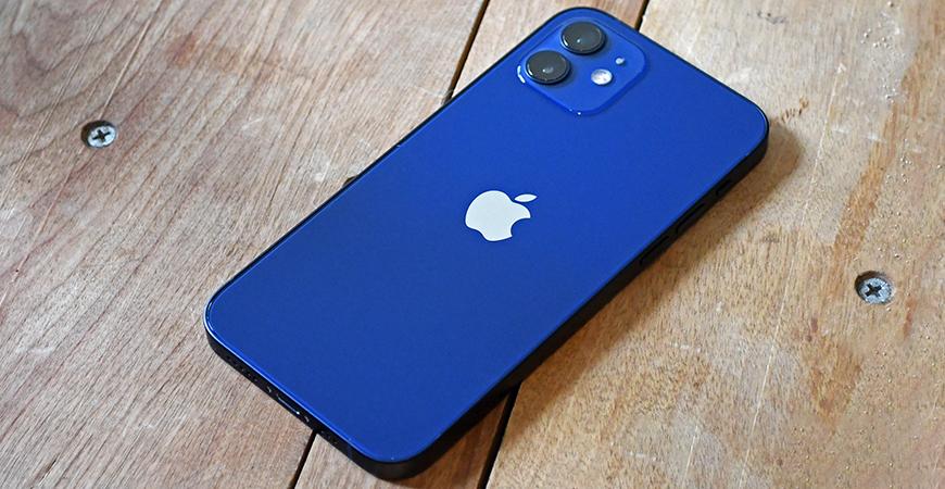 У iPhone 12 обнаружились неполадки модуля связи